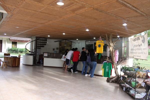 La Mesa Eco-Park boat souvenir shop