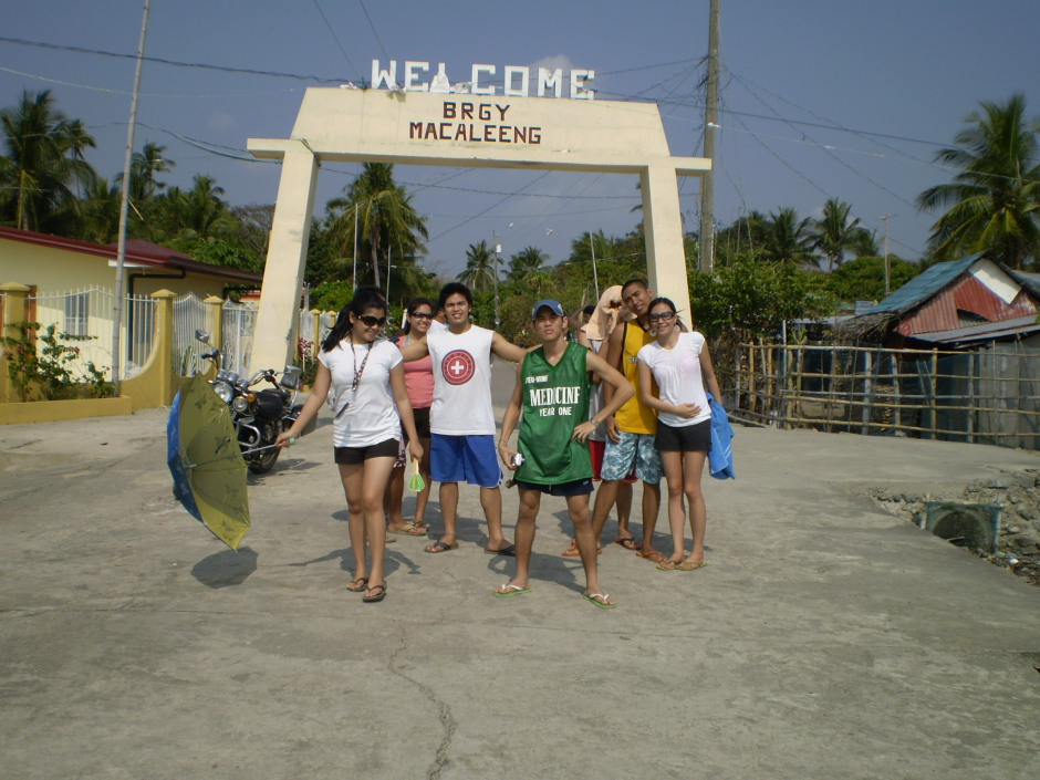 Us goofing around when we made a stop in Barangay Macaleeng, looking for a cheap bangka to Hundred Islands
