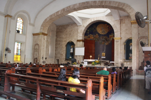 Inside Sta. Cruz Church