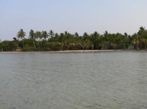Tondol White Beach