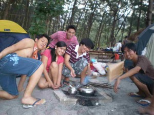 Having breakfast in Anawangin
