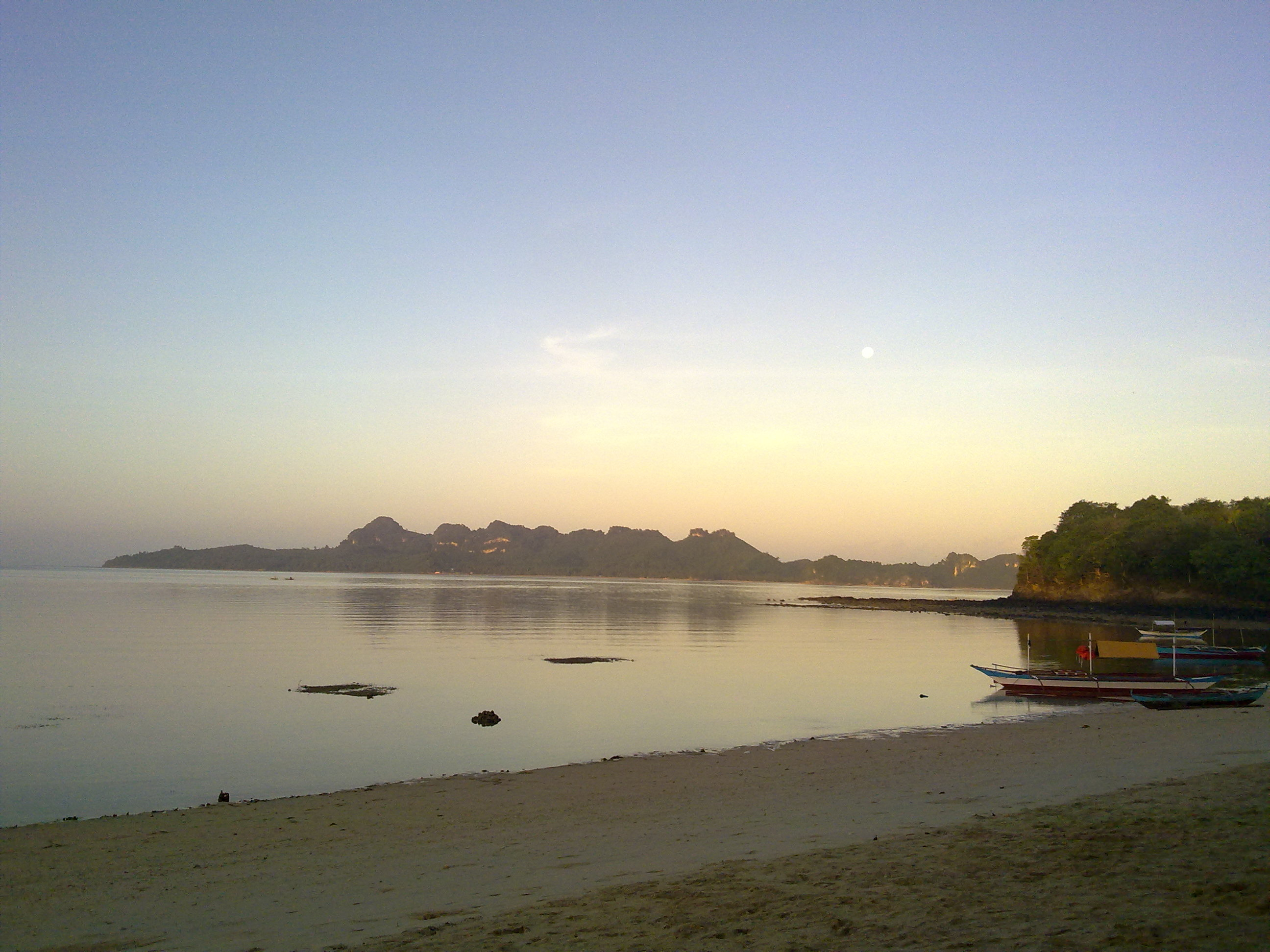Dampalitan Island Shore