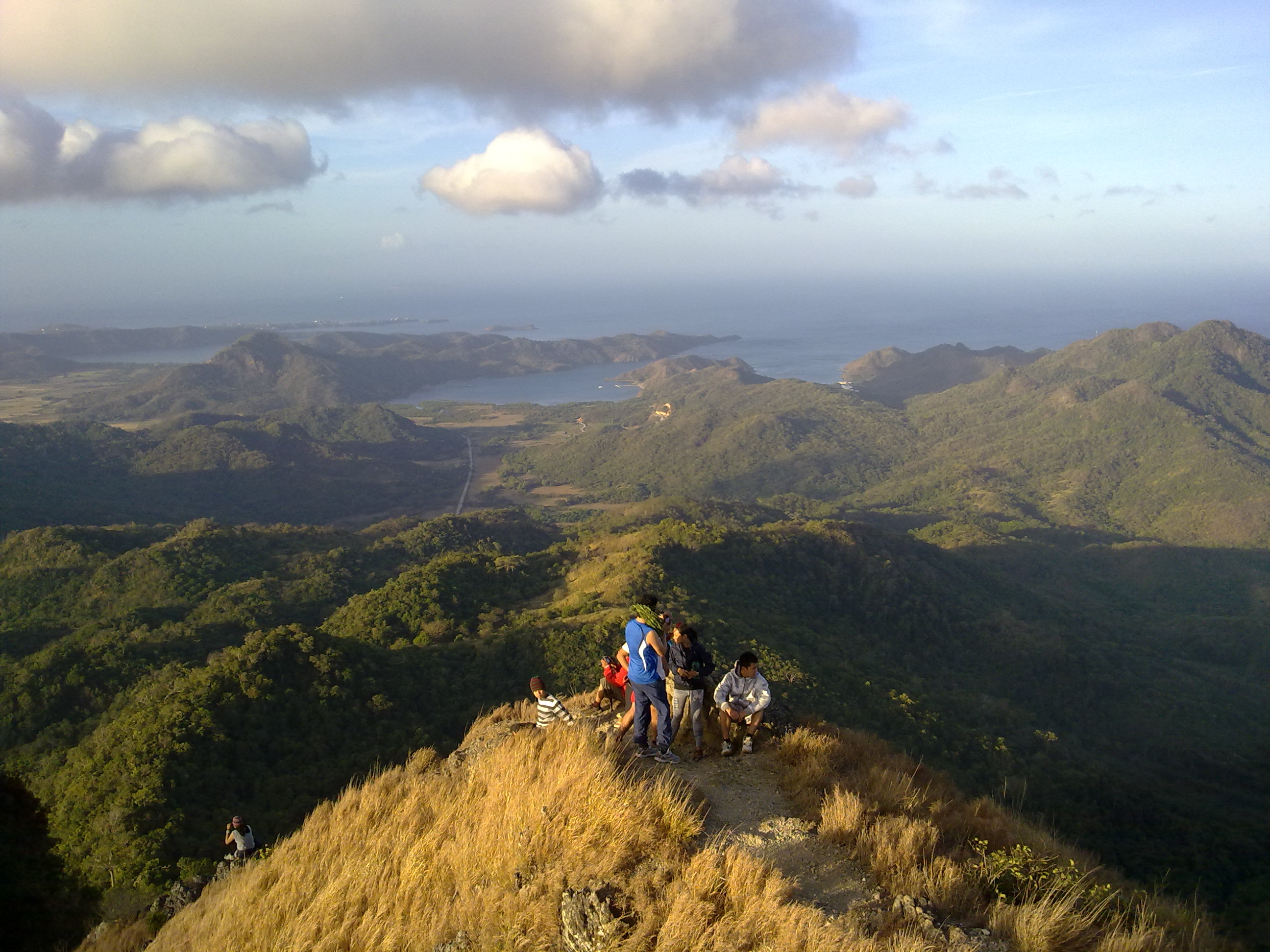 Pico de Loro Summit