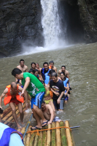Getting off the bamboo raft in Cavinti Falls