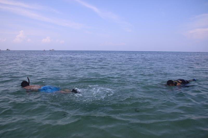 snorkeling-burot-beach