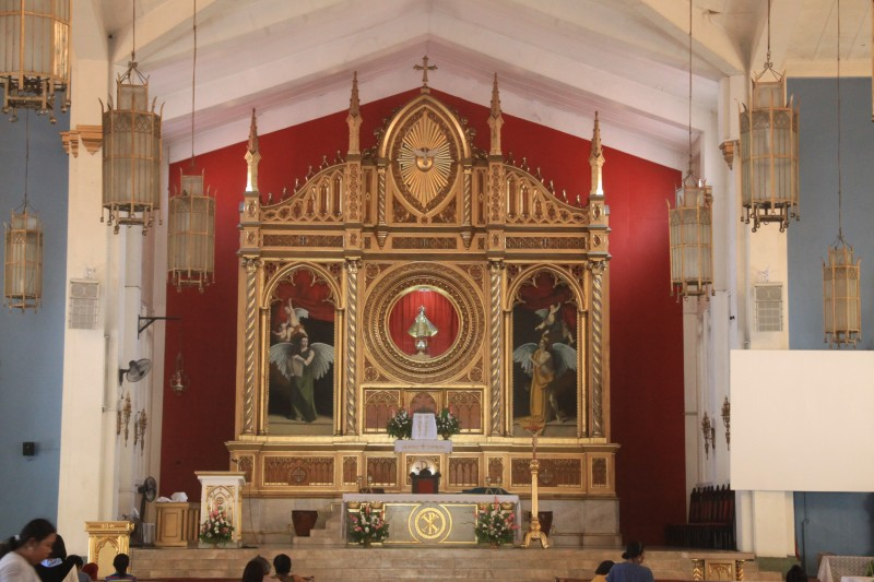 Altar of Santo Niño Church
