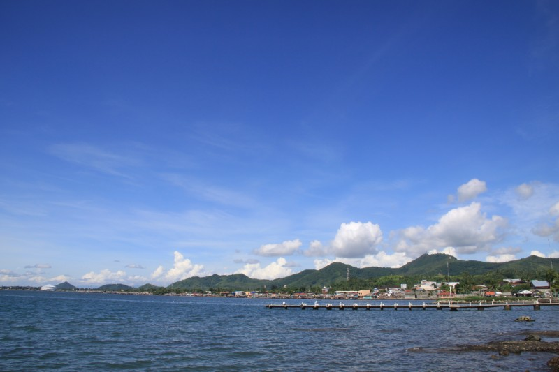 Cancabato Bay as seen from Bayluan Park