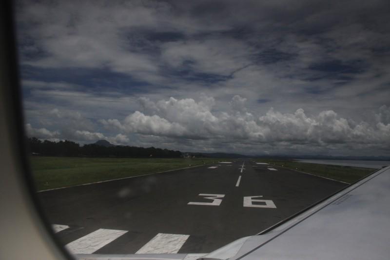 Daniel Z. Romualdez Airport Runway