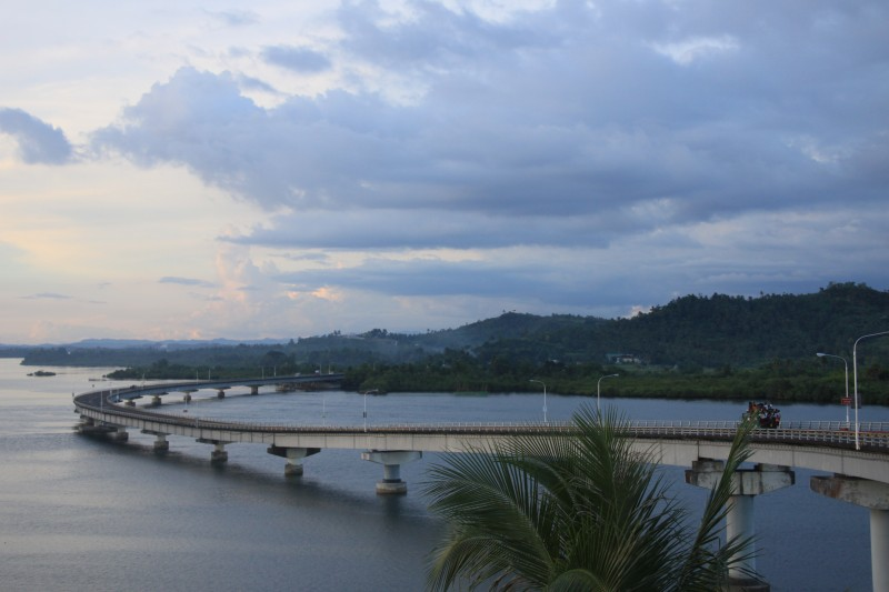 San Juanico Bridge leading to Sta Rita
