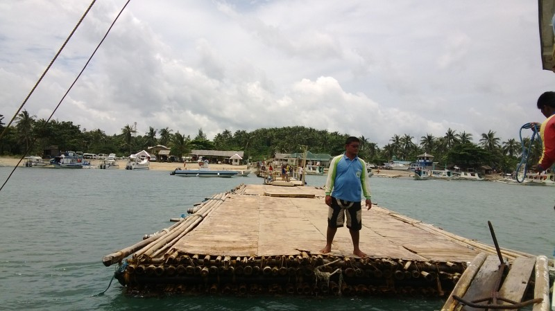 The-pier-of-Tabon-Port